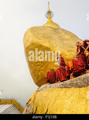 Buddhist Monks at Kyaiktiyo Pagoda 'Golden Rock' Myanmar - Stock Photo