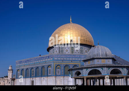 The gilded Islamic shrine Haram al Sharif or Dome of the Rock mosque at the Temple Mount in the old city East Jerusalem - Stock Photo