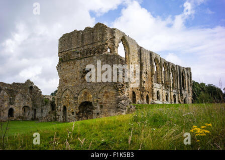 The imposing ruins of Easby Abbey near Richmond, North Yorkshire, England, UK - Stock Photo