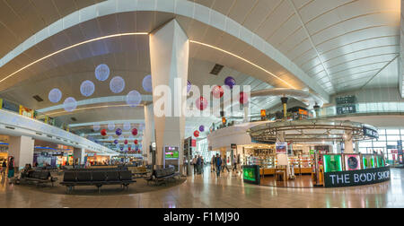 Shops and waiting areas in Indira Gandhi International Airport, New Delhi, India - Stock Photo