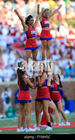 Dallas, TX, USA. 4th Sep, 2015. SMU Mustangs cheerleaders during the NCAA football game between the Baylor Bears - Stock Photo