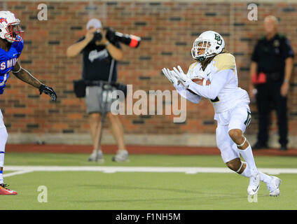Dallas, TX, USA. 4th Sep, 2015. Baylor Defense interception during the NCAA football game between the Baylor Bears - Stock Photo