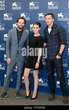 Venice, Italy. 5th Sep, 2015. Drake Doremus (L), Kristen Stewart (C) and Nicholas Hoult attend a photocall for 'Equals' - Stock Photo
