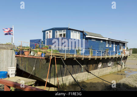 Houseboats in Shoreham harbour West Sussex. Lifestyle living on the estuary of the river Adur. - Stock Photo