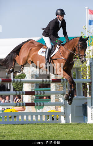 Stamford, Lincolnshire, UK. 06th Sep, 2015. 2015 Land Rover Burghley Horse Trials Tim Price competing in the show - Stock Photo