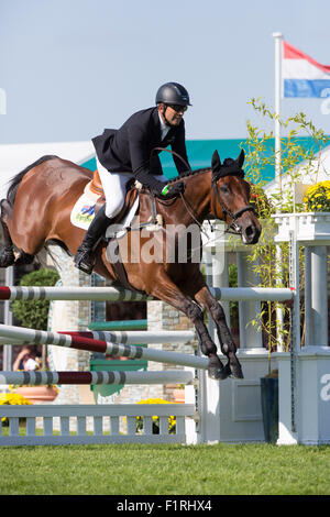 Stamford, Lincolnshire, UK. 06th Sep, 2015. 2015 Land Rover Burghley Horse Trials Bill Levett competing in the show - Stock Photo