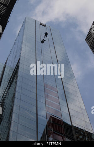 London, UK. September 7th 2015. PICTURED: Bill Roberts of Clogau Goldmine abseils down the side of 20 Fenchurch - Stock Photo