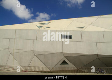 Israel, the new wing of the Tel Aviv Museum of Art - Stock Photo