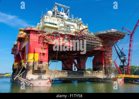 ROTTERDAM, THE NETHERLANDS - AUGUST 9, 2015: Large steel platform in the Port of Rotterdam, South Holland, The Netherlands. - Stock Photo