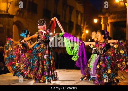 DANCERS perform in the Jardin or Central Square during the annual FOLK DANCE FESTIVAL - SAN MIGUEL DE ALLENDE, MEXICO - Stock Photo
