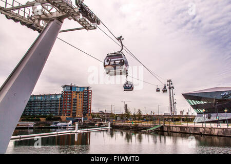 Emirates Air Line cable cars ride across the River Thames from North Greenwich to Royal Victoria Dock, London, England, - Stock Photo