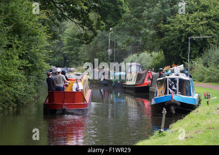 Narrow boats on the Staffordshire and Worcestershire Canal near Kinver. UK - Stock Photo