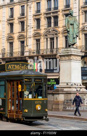 Italy, Lombardy, Milan, Piazza Cordusio, restaurant ATMosfera Tram restaurant in a historic tram to the bottom with - Stock Photo