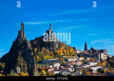 France, Haute Loire, Le Puy en Velay, a stop on el Camino de Santiago, overview of the city with Notre Dame de France - Stock Photo