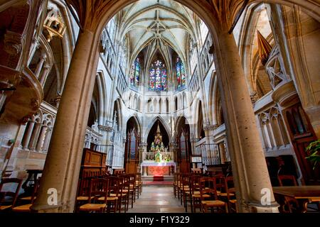 France, Marne, L'Epine, stop on the way of St James listed as World Heritage by UNESCO, Notre Dame basilica - Stock Photo