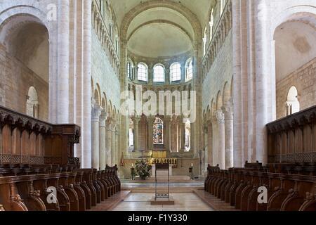 France, Loiret, Saint Benoit sur Loire, Fleury Abbey, nave - Stock Photo
