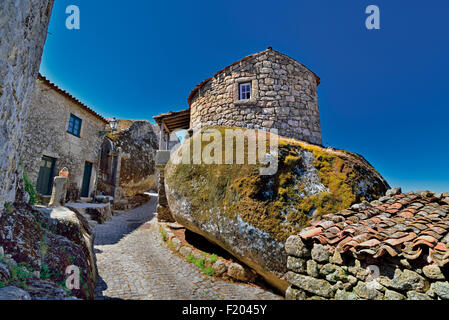 Portugal: Medieval stone alley and houses in historic village Mosanto - Stock Photo