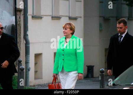 eine Schauspielerin, die die deutsche BKin Angela Merkel darstellen soll, Strassenszene, 30. August 2015, Berlin.