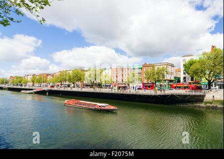 Liffey River boat cruise, Dublin, Ireland - Stock Photo