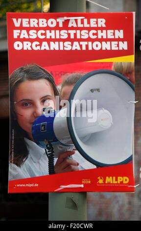'Verbot aller faschistischen Organisationen', MLPD  - Wahlplakate zur anstehenden Europawahl, Berlin. - Stock Photo