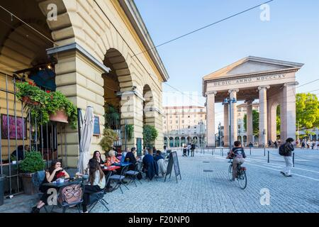 Italy, Lombardy, Milan, place piazza Ventiquattro Maggio and door Porta Ticinese - Stock Photo