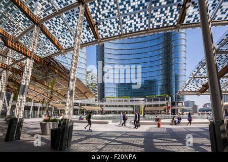 Italy, Lombardy, Milan, Gae Aulenti Square, district of Porta Nuova and the tower Unicredit bigger skyscraper of - Stock Photo