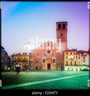 Italy, Lombardy, Lodi, Piazza della Vittoria, Duomo, Cathedral - Stock Photo