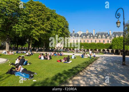 France, Paris, the Marais, the Place des Vosges - Stock Photo