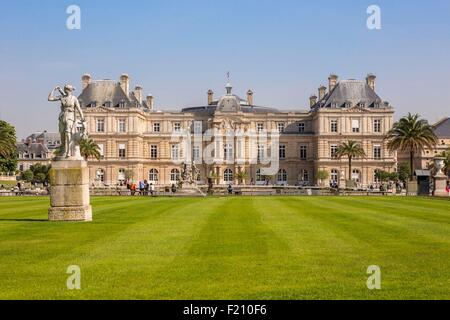 France Paris Luxembourg Gardens Statue Of Liberty Park Chairs Stock Photo 3816960 Alamy
