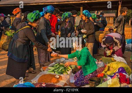 Myanmar (Burma), Shan state, Pa'O tribe, Hamsu, Maha Myatmuni pagoda's market - Stock Photo