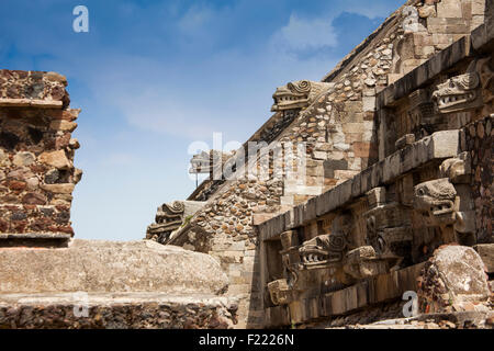 Templo de la serpiente emplumada Teotihuacan archaeological site Unesco World Heritage Site Mexico North America - Stock Photo