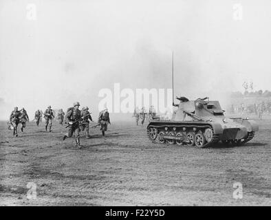 On the day of the Wehrmacht on the Nuremberg Rally in Nuremberg soldiers present an attack on the Zeppelin Field, - Stock Photo