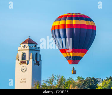 Union Pacific Boise Depot. Balloons hovering overhead during Spirit Of Boise Balloon Classic, Boise, Idaho, USA - Stock Photo