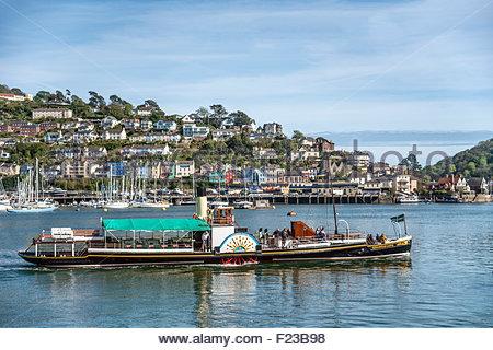 Kingswear castle paddle steamer at Dartmouth Harbor, Devon, England, UK | Schaufelraddampfer Kingswear Castle, Dartmouth - Stock Photo