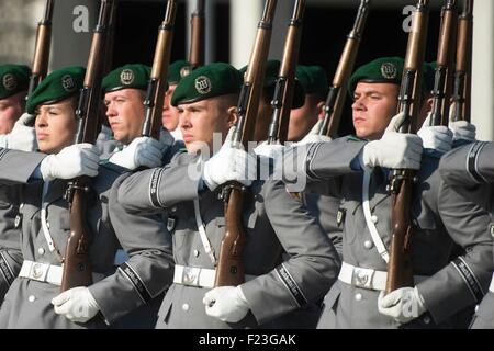 Berlin, Germany. 10th September, 2015. German honor guard during a ceremony with U.S. Joint Chiefs Chairman Martin - Stock Photo