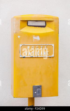 Yellow post box of the Vatican Post Poste Vaticane Vatican City Rome Iltaly roma lazio itlay EU Europe - Stock Photo