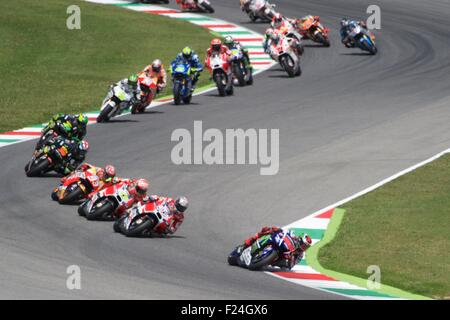Mugello Circuit, Italy 31st May 2015. Jorge Lorenzo pulls an early lead during the first lap of the Gran Premio - Stock Photo