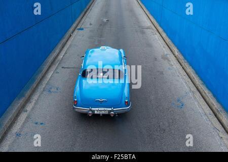 Cuba, Ciudad de la Habana province, La Havana, american car - Stock Photo
