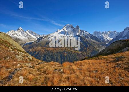 France, Haute Savoie, Chamonix, aiguille Verte (4122m) in autumn, Mont Blanc range - Stock Photo