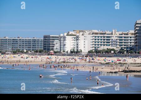 Portugal, North region, Matosinhos, the urban beach - Stock Photo