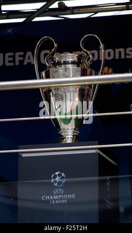 der Champions League Pokal - Ausstellung zum Thema 'Fussball Chamiopns Leage', 21. September 2013, Berlin-Mitte. - Stock Photo