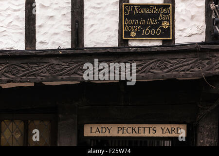 Half-Timbered Tudor Building in Heart of York - Stock Photo
