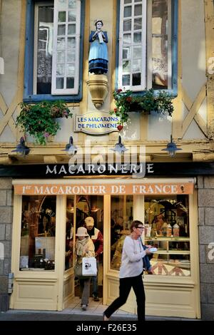 Traditional French macaroon confectionery patisserie tea shop cafe. Rue Kereon in mediaeval centre of Quimper, Finistere, - Stock Photo
