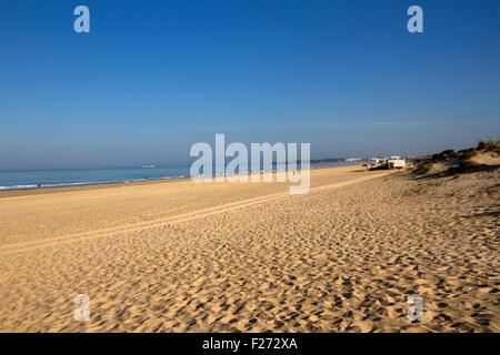 Playa de la Barrosa in Novo Sancti Petri, Costa de la Luz, Spain - Stock Photo