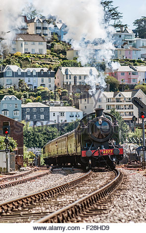 Dartmouth Steam Railway at Kingswear Station, Devon, England, UK | Dartmouth Steam Railway, Dampflok, Devon, England - Stock Photo