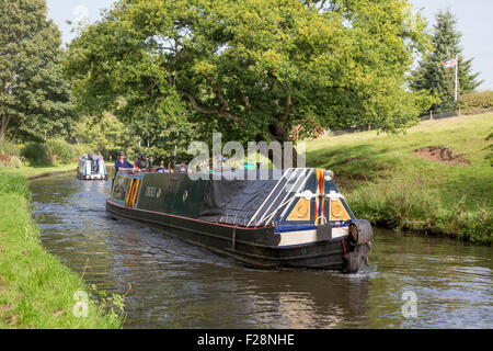Narrowboat on the Staffs & Worcester Canal near Kinver, Staffordshire, England, UK - Stock Photo