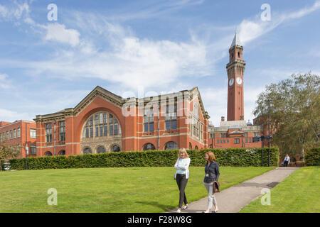 Chancellor's Court and the Joseph Chamberlain Memorial Clock Tower, University of Birmingham, England, UK - Stock Photo