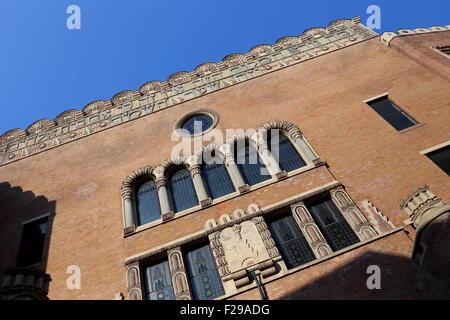 Front facade of the Orthodox Synagogue, Kazinczy utca, Jewish Quarter, Budapest, Hungary - Stock Photo