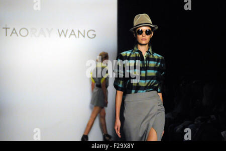 New York, USA. 14th Sep, 2015. Models presents creations of Taoray Wang's collection during New York Fashion Week - Stock Photo
