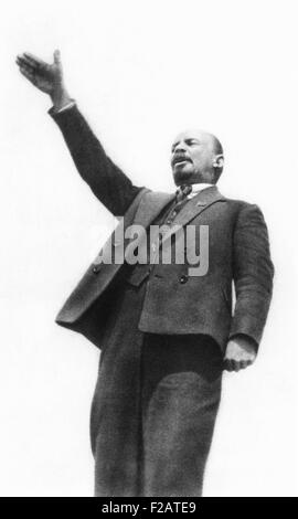 Lenin at the unveiling of a monument to Cossack Stenka Razin in Moscow on May Day, 1919. Razin led an uprising against - Stock Photo
